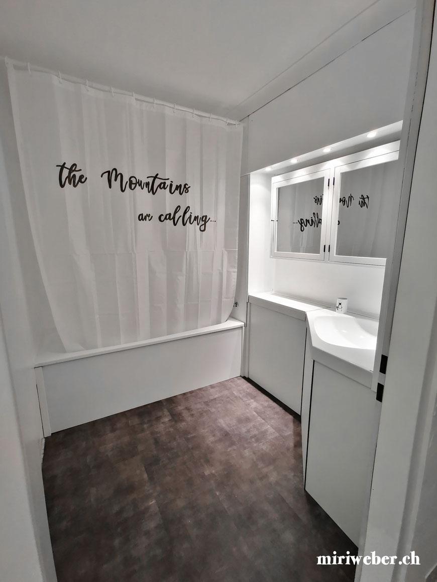Douche Vorhang, beschriften, bemalen, selber machen, Dusch Vorhang, Edding, wasserfest, DIY, Geschenkidee