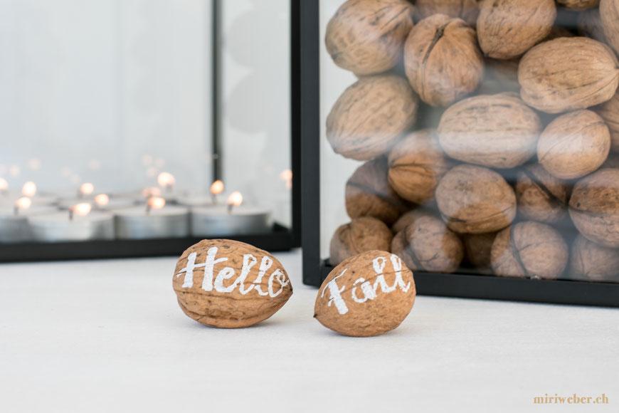 Herbst Lettering, Hello Fall, Autumn, Deko, Idee, Inspiration, Kreativ, Blog, Schweiz, DIY, Tchibo, Kerzenhalter, Kerzenglas, Teeset, Tchibo Accessoires, Tchibo Shop, Content Creator Schweiz