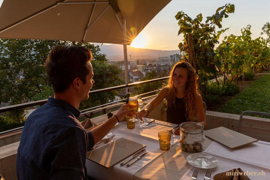 Restaurant Schloss Thun, Aussicht, Panorama, Terrasse, Sommer, Hotel, Thun, spezielles Restaurant, Travel, Tipps, Blog, Schweiz, Berner Oberland