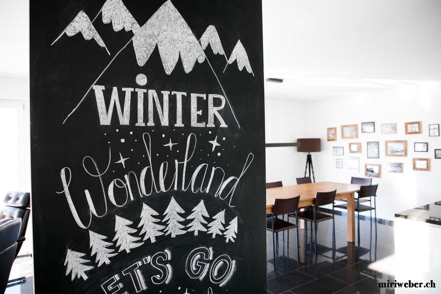 Chalk Board, Chalk, Chalk Wall, Kreide, Kreide Tafel, DIY, Winter, Schnee, Snow, Winterwonderland, Januar, Februar, März, Art, Lettering, Calligraphy, Typography, schön schreiben, kreativ Blog, Schweiz, Blog, DIY