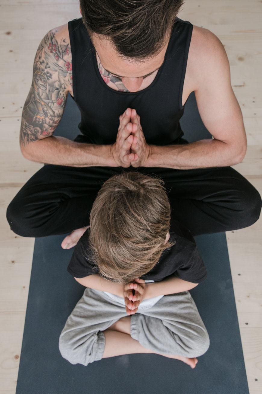 Yoga Studio St. Gallen, lineup Yoga, St. Gallen, Yoga, Business Fotografin, miriweber.ch, Yoga Foto, Creative Content Creator, Fotografie, Wil, spezielle Fotografie, besondere Fotografie, kreative Fotografie, Schweiz, Wil, Gossau