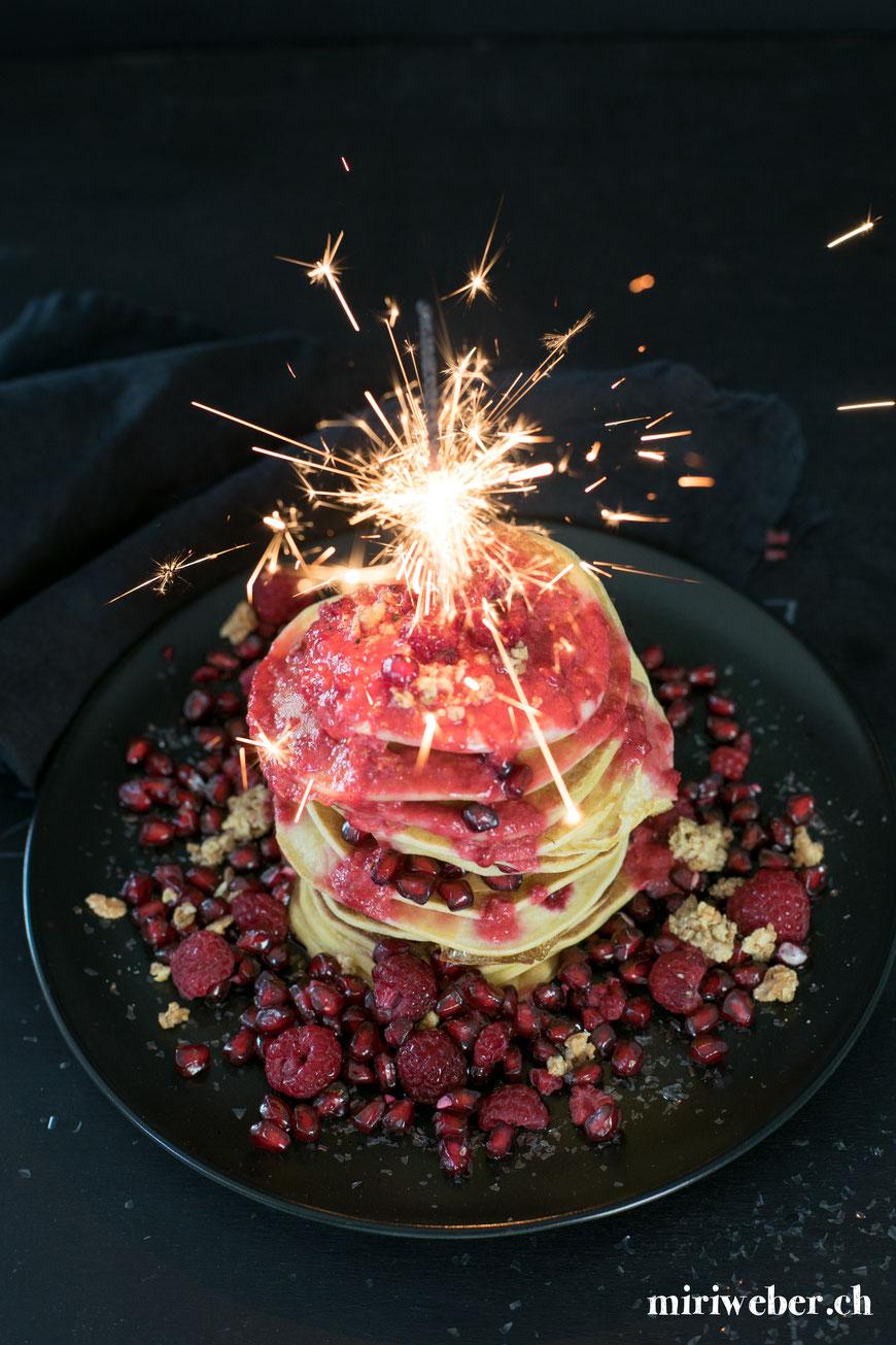 einfaches Pfannkuchen Rezept, einfaches Pancake Rezept, einfaches Omeletten Teig Rezept, Foodblog Schweiz, gesundes Rezept, Himbeer Sauce, Secco by Rimuss, Rezept, Frühstücks Rezept, schnelles Pfannkuchen Rezept, Foodblog Schweiz, Schweizer Foodblog