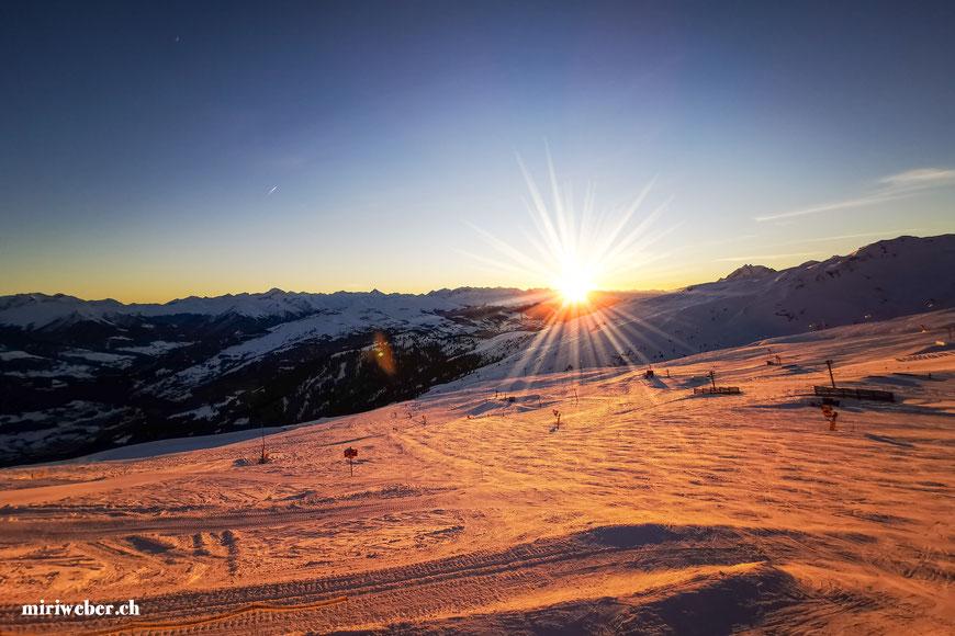 letzte Bergfahrt Crap Sogn Gion, Sonnenuntergang, Flims, Laax, Falera, Skigebiet, Tipps, Skiregion, Tageskarte, bestes Skigebiet, Travel Blog, Schweiz, Schweizer Travel Blog