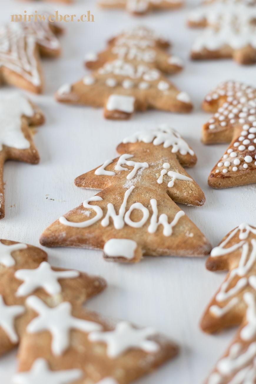 Lebkuchen Lettering, reach for the stars, Lebkuchen verzieren, Foodblog Schweiz, Weihnachtsgebäck, Blog Schweiz, Weihnachten, Advent, Lettering auf Food
