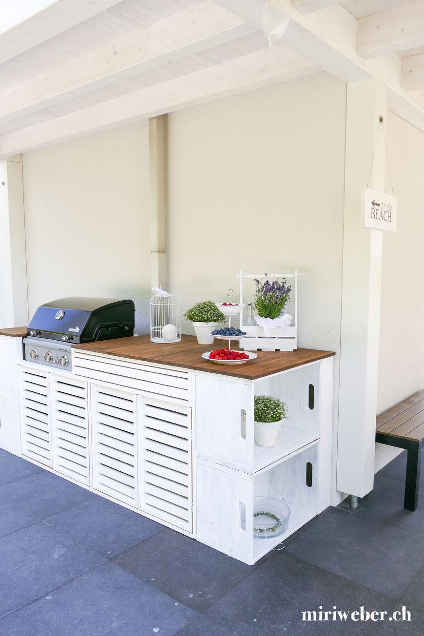 Outdoor Küche, DIY, selber bauen, Outdoor Kitchen, Anleitung, Plan, bauen, selber machen, Garten Küche, Küche, Grill, Kreativ, selber machen, weisse Outdoor Küche