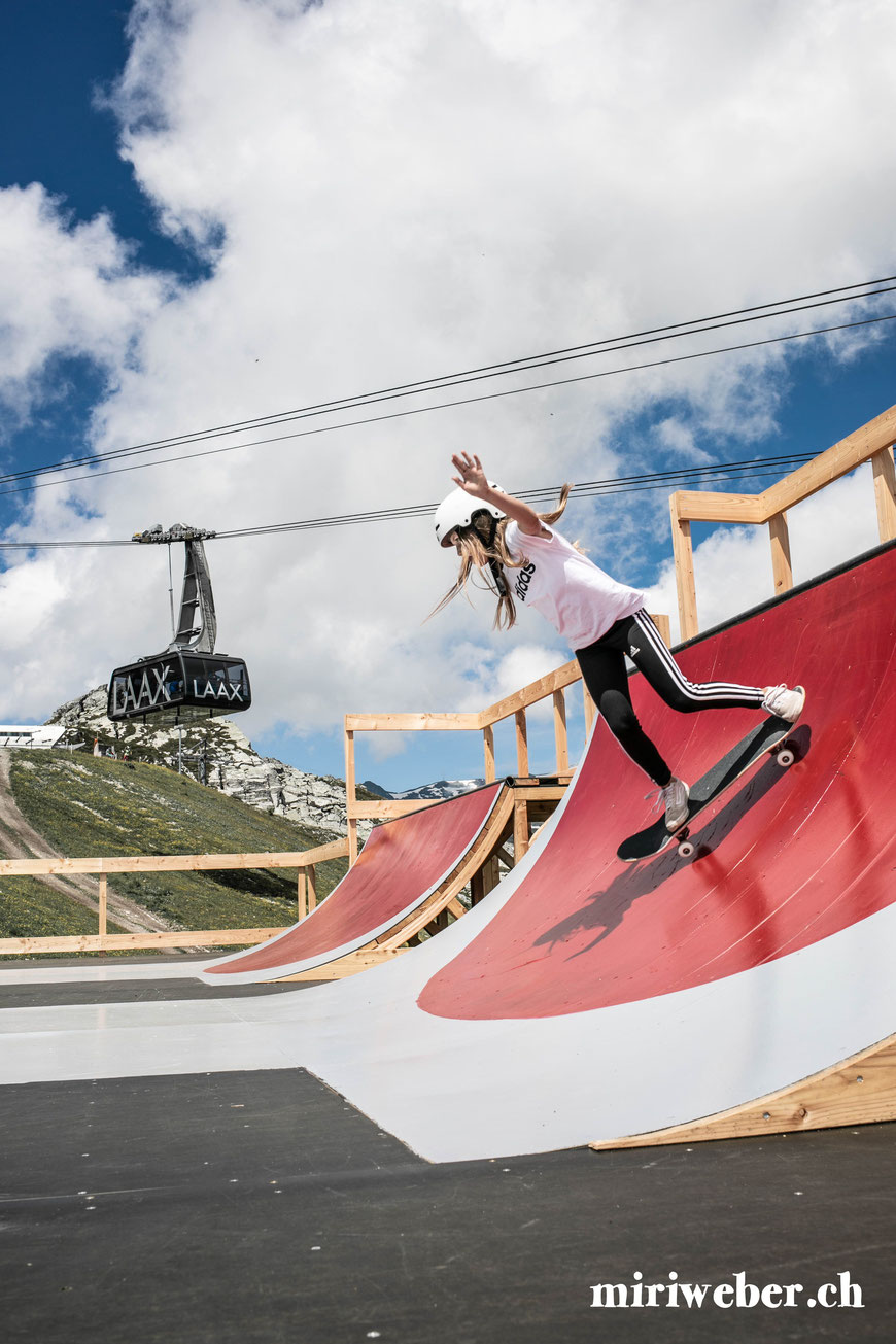 Skatepark, Galaaxy Park, Skateboarding Park, Laax, Graubünden, Schweiz, Alpen, Crap Sogn Gion, Vans Shop Riot, Event, Freestyle Park, Halfpipe, Pumptrack, Sommer, Berge, Familienferien, Skate, Team Trouble, Blog Schweiz, Travel, Familien Blog