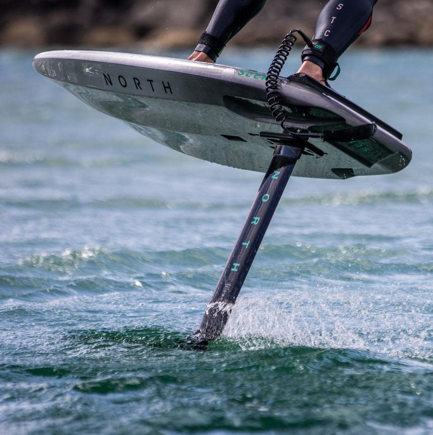 North Seek Wing Foil Board 2021 kann bei WindSucht getestet werden. WingSucht ist foilgeil