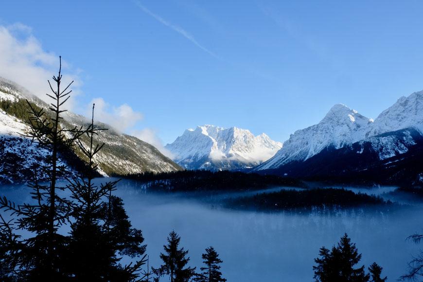 Вид на Цугшпитце со стороны Австрии, Тироль
