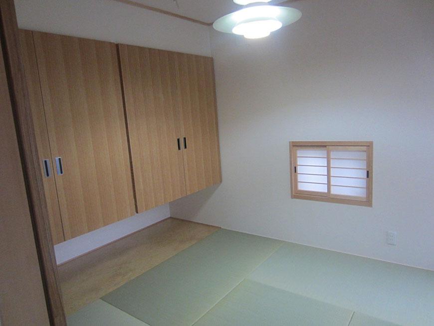 1階ダイニングから つながるモダンな和室