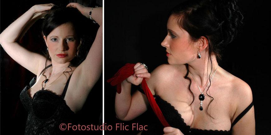 Aktfoto Dame mit rotem Band