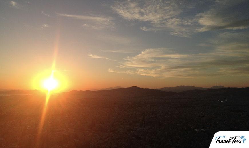Ondergaande zon vanaf Lykavittos heuvel
