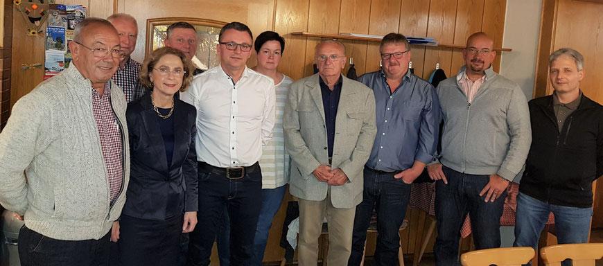 v.l.: Michael Strohmeier, Eberhard Straßer, Ilse Oswald, Anton Pledl, Reinhold Stadler, Bianca Braun, Helmut Rosenberger, Manfred Schubert, Sebastian Rammel, Franz Löffelmann