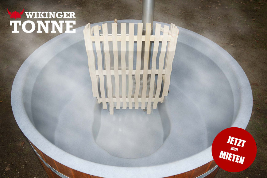 Die WIKINGERTONNE ist mit einem hygienischem Kunststoff Pool-Einsatz ausgestattet und wird selbstverständlich nach jedem Gebrauch vollgereinigt.
