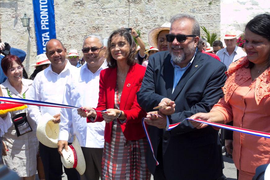 Kubos turizmo ministras Manuel Marrero Cruz ir Ispanijos turizmo ministrė Maria Reyes Maroto atidaro tarptautinę turizmo parodą FITCUBA 2019 / Foto: Kristina Stalnionytė