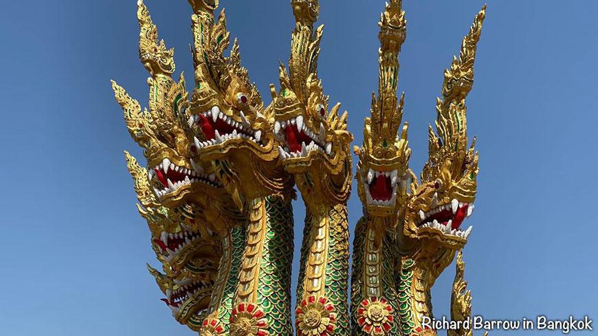Karališkosios baržos Anantanakkharat nosis Bankoke