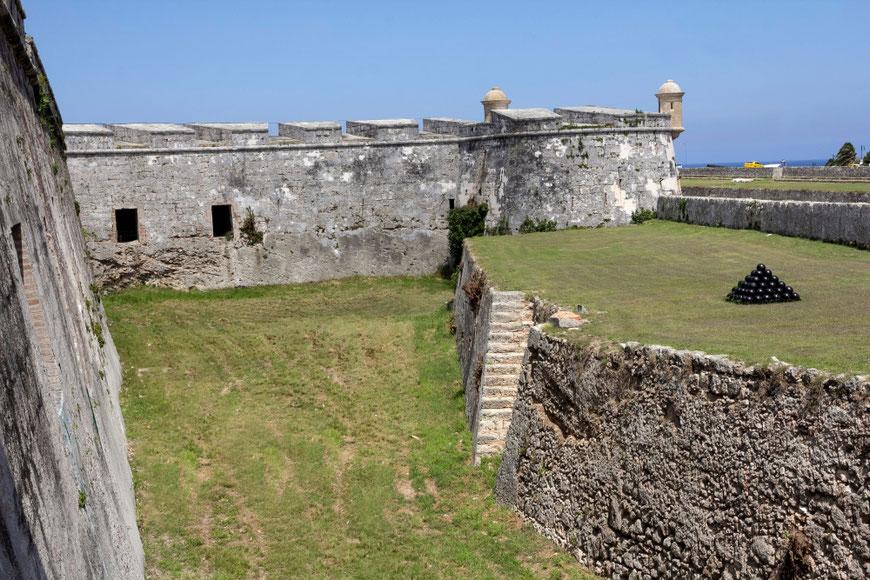 Šv Karolio tvirtovė Havanoje primena miestelį