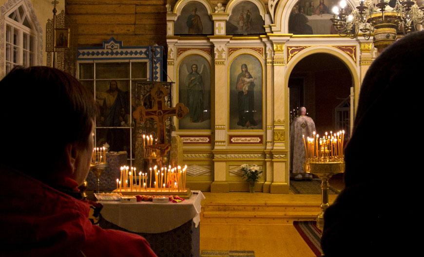 Po mišių bažnyčioje - į pikniką kapinėse / Foto: Kristina Stalnionytė