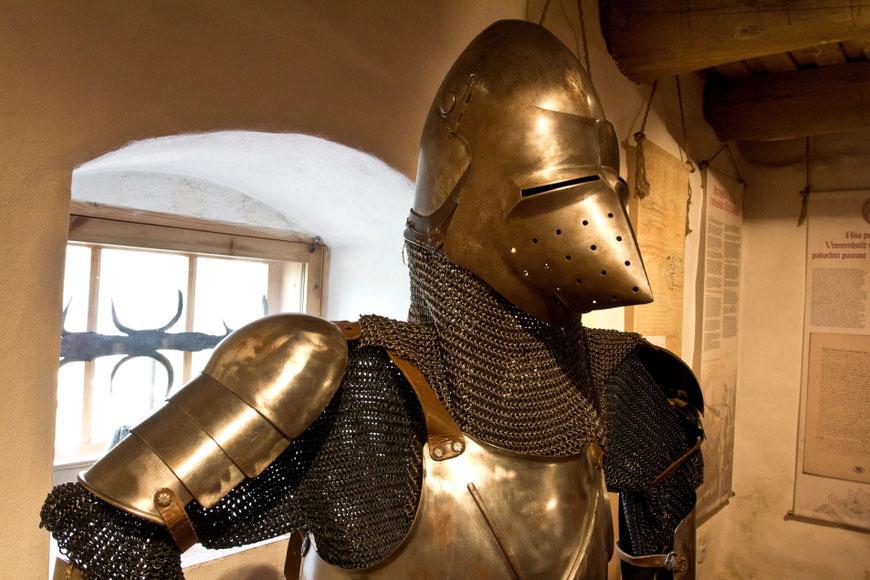 Vastselinos tvirtovės sargas šarvuotas riteris Setoma