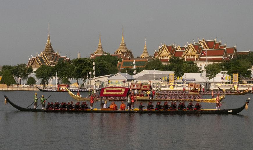Karališkosios baržos Čau Prajos upėje Bankoke Royal Barge Ceremony 2019