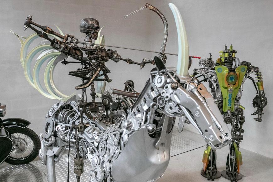 Aleksandro Nesteriuko sukurtas Vienaragis, raitelis ir Nesteratorius Preilių metalo meno galerijoje Nester Custom