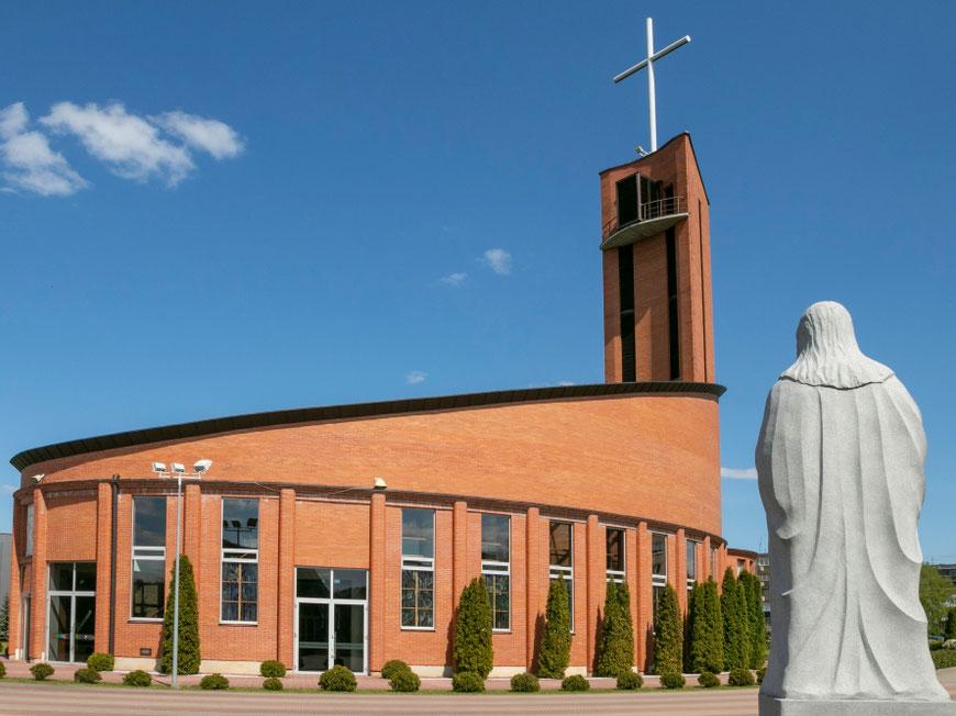 Naujoji Utenos Dievo Apvaizdos bažnyčia