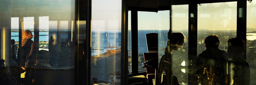 Mathieu Guillochon photographe, France, Palavas, Hérault, mer, méditerranée, le phare de Palavas, Inside Outside, série rivages, crépuscule, couleurs.