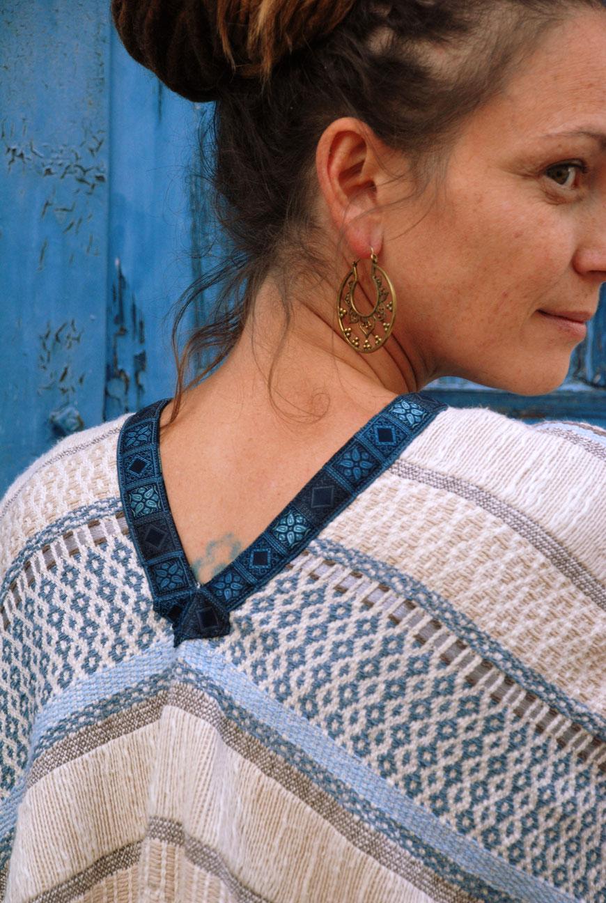 Katjuschka - Easy Cape - Detailansicht Rücken Ausschnitt