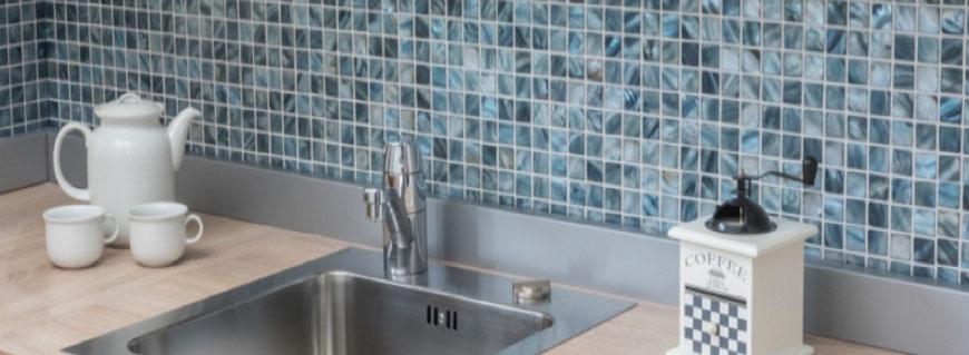 mosaico in madreperla per piscine, bagni