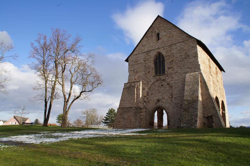 Fragment der Nazarius Basilika aus dem frühen 12. Jahrhundert. Die Basilika wurde im Dreißigjährigen Krieg fast vollständig zerstört.
