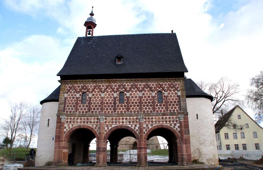 Zweigeschossige Torhalle des Klosters Lorsch