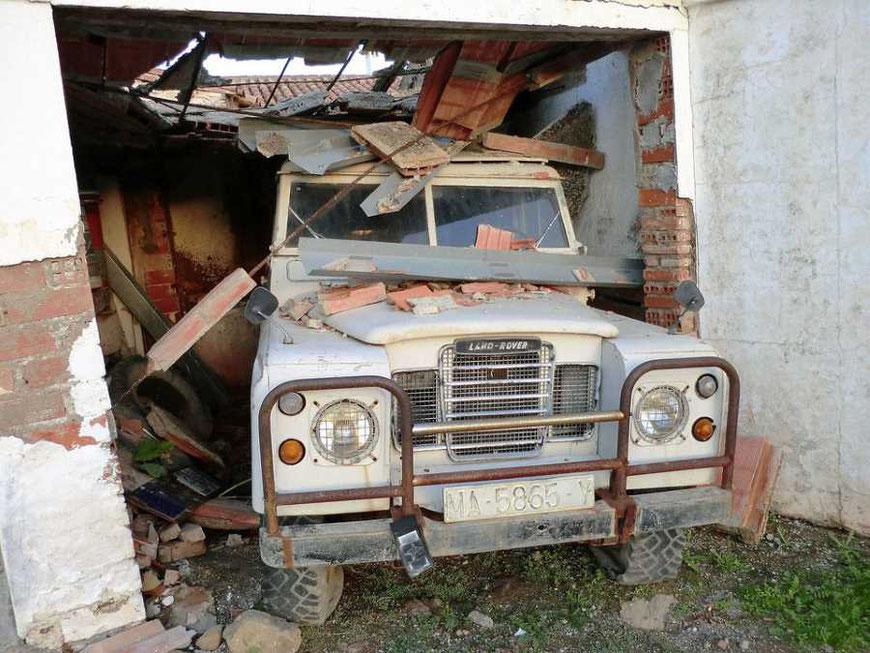 Dieses Fahrzeug mag als Teilespender oder Bastlerfahrzeug gut sein. Ein fahrtüchtiger Gebrauchtwagen ist es nicht.