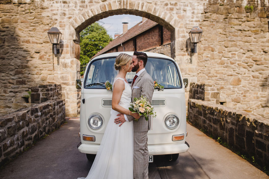 Hochzeitsfotos VW Bulli Haus Kemnade