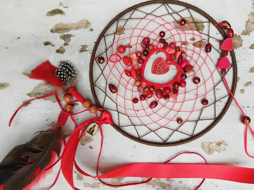 Indian summer in bessen rood een prachtige dromenvanger in opdracht gemaakt