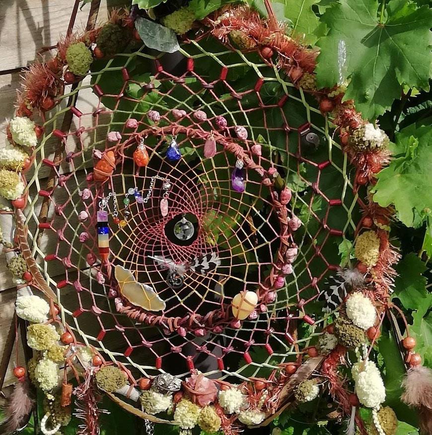 Grote dromenvanger met privé collectie edelstenen
