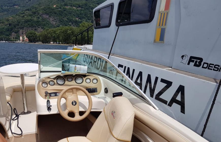 Kontrolle auf dem Lago Maggiore