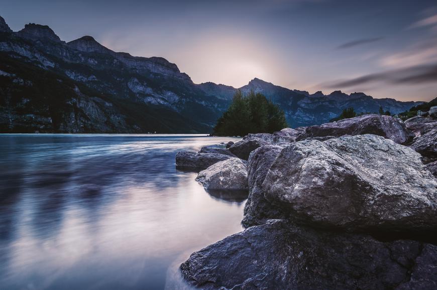 Sonnenaufgang Walensee // Schweiz 🇨🇭  - by picPond