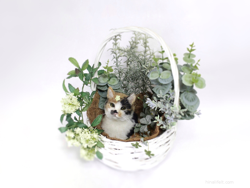 Adorable needlefelted cat 羊毛フェルトの三毛猫