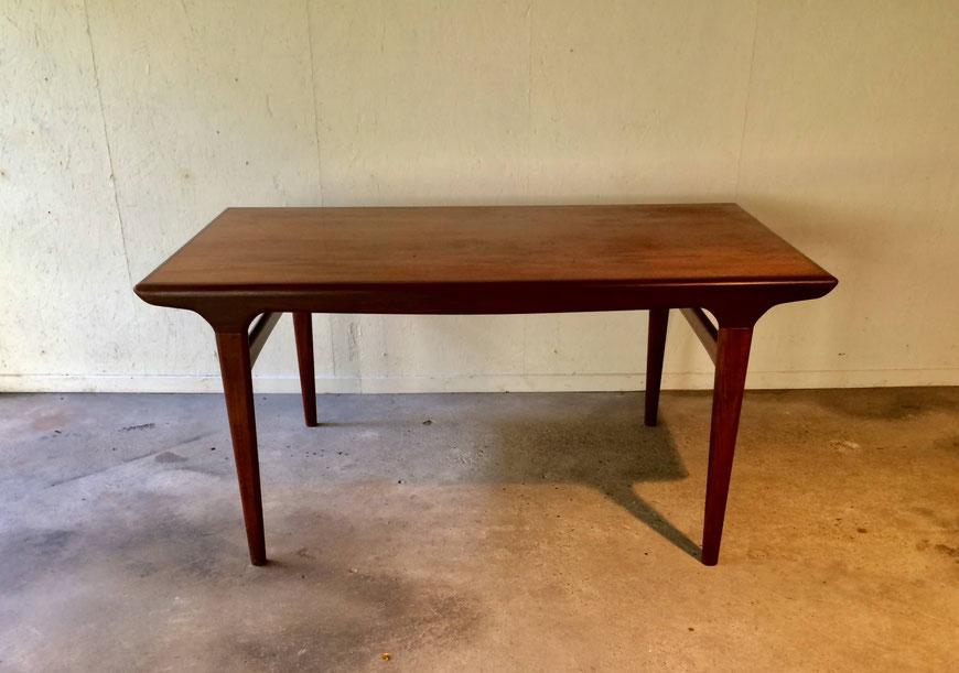 table Johannes Andersen, Uldum Mobelfabrik, Samcom, table scandinave, table danoise, table teck
