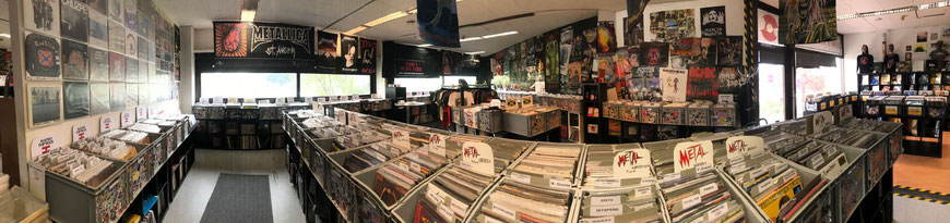 Showroom im Shop - durch die Schallplatten und CDs stöbern