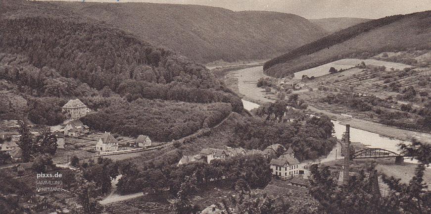 Teile der Gartenstadt von Carlshafen in den 1920/30er Jahren mit der Weserbrücke