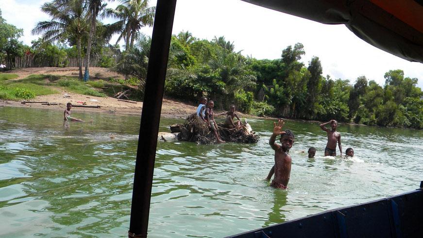 Fahrt auf dem Pangalanes-Kanal