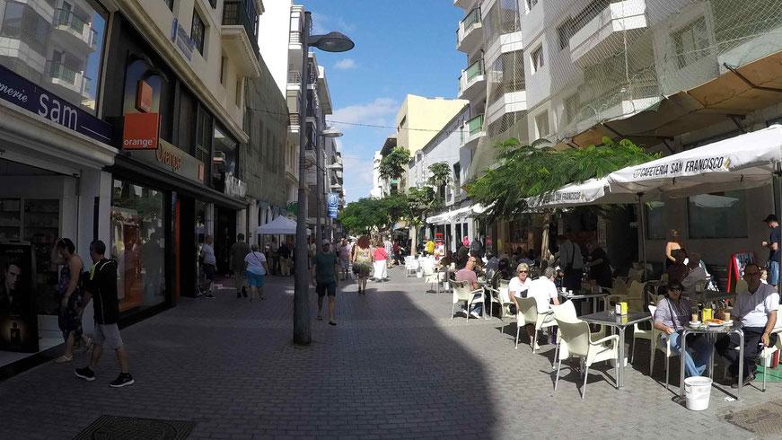 Einkaufsstraße der Calle Leon y Castillo