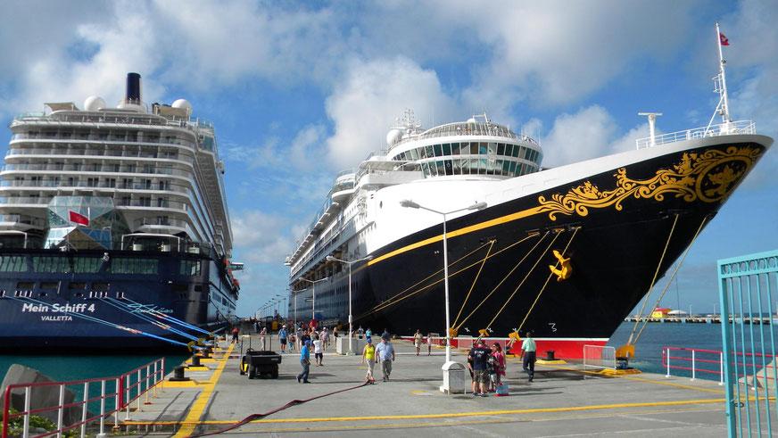 Heute sind nur Mein Schiff 4 und Disney Magic in Philipsburg.