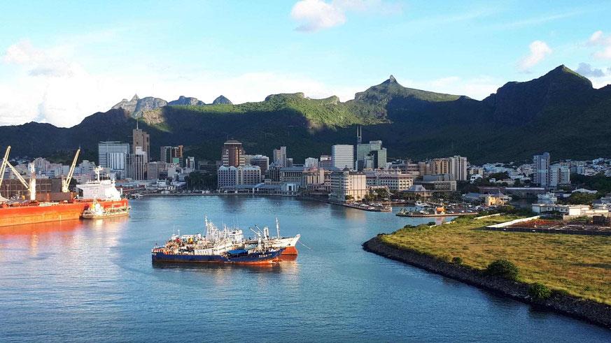Blick vom Liegeplatz Christian Decotter Cruise Terminal nach Caudan Waterfront