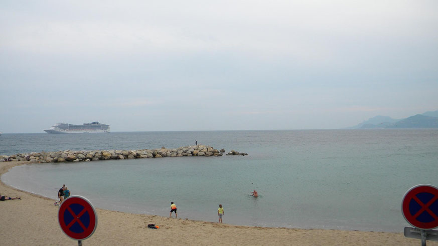 Strand neben dem Quai Laubeuf (aufgenommen im Oktober)