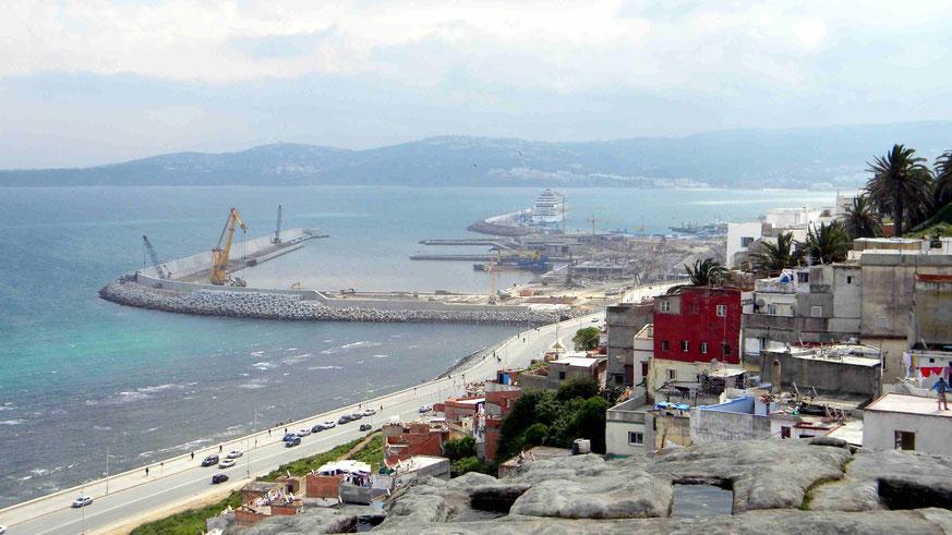 Blick auf die neue Hafenanlage in Tanger