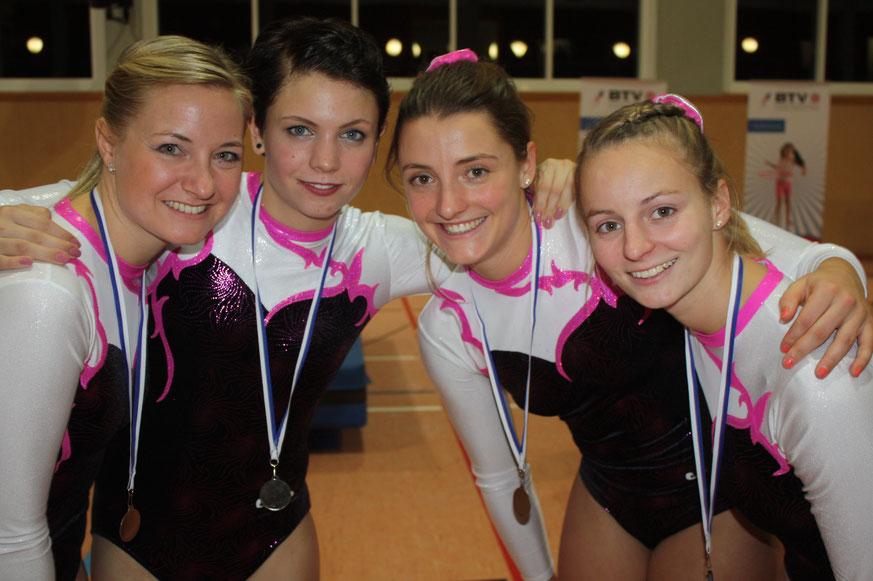 von links nach rechts: Nadine Staufer, Nadine Roll, Anja Zinkl, Julia Völkl