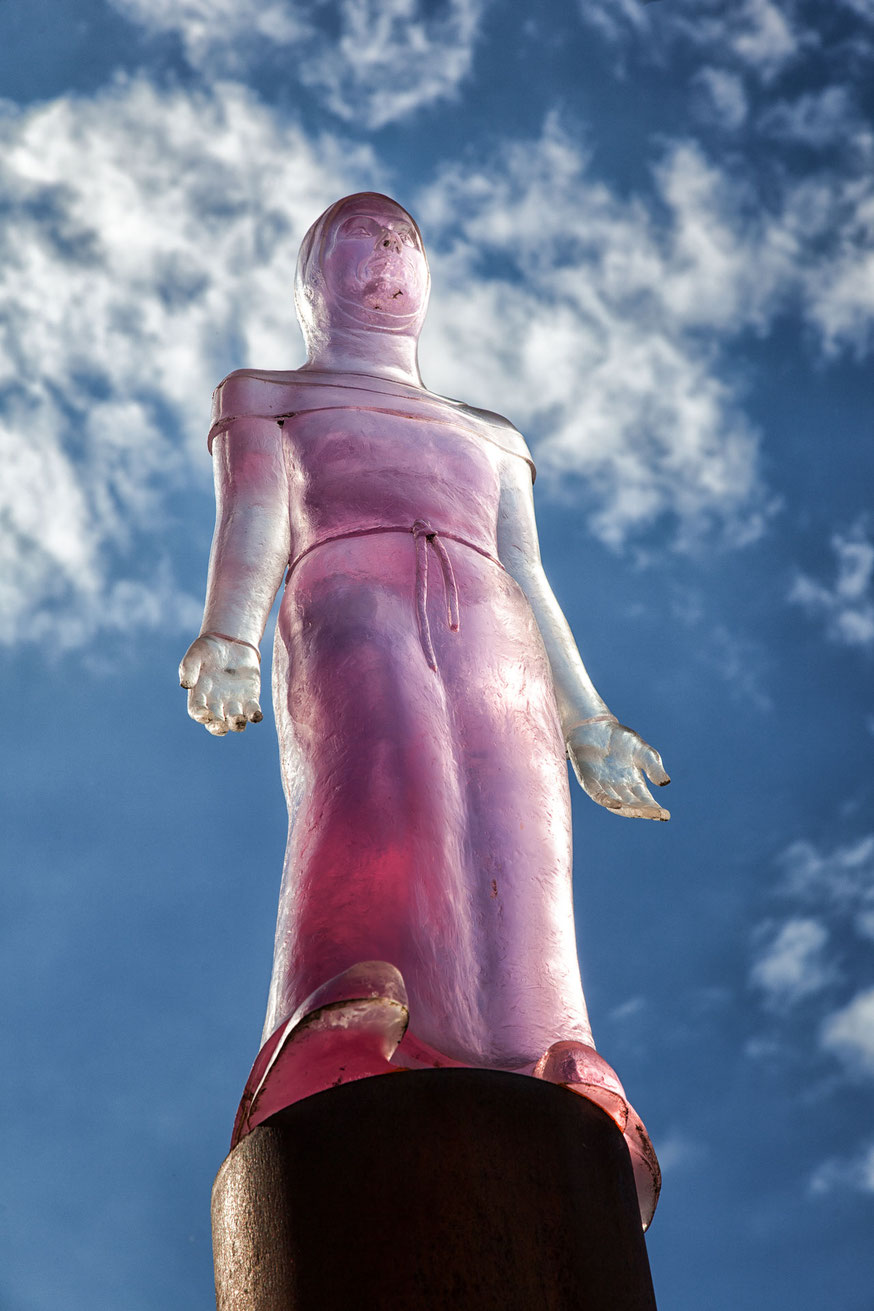 Skulptur bei Tag in Magdeburg