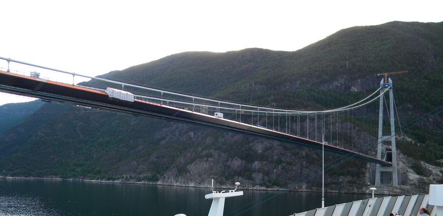 neue Hardangerfjordbrücke (kurz vor der Fertigstellung)