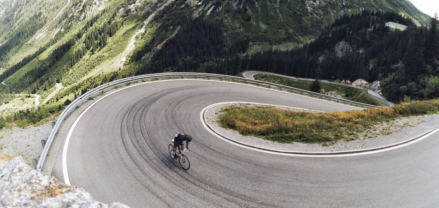Rennradfahrer auf der Silvretta Hochalpenstraße